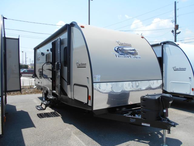 2015 Coachmen Freedom Express 236BHS